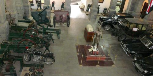 الحوثيون يزيلون مقتنيات صالح من المتحف الحربي في صنعاء