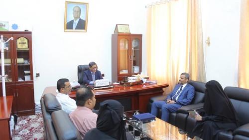 محافظ حضرموت يرعى اتفاقية لتنفيذ دورة الدبلوم المهني في الإعلام