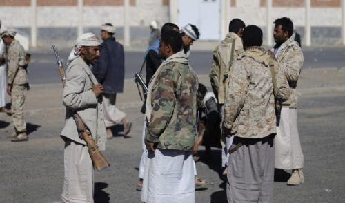 مسلح حوثي يقتل شقيقته في عمران بعد عودته من حضور دورات طائفية