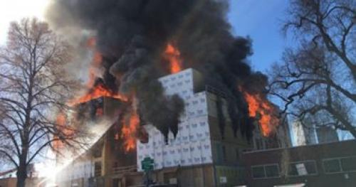"""صور.. إصابات عديدة فى حريق ضخم بمدينة """"دنفر"""" الأمريكية"""