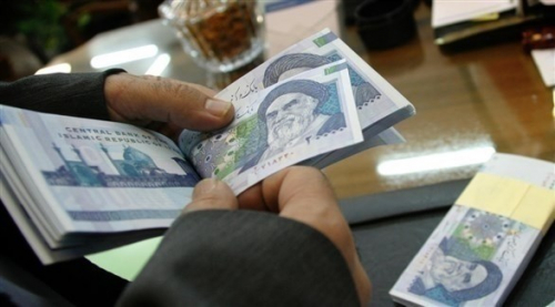 الاقتصاد الإيراني يتراجع.. والعملة بالحضيض