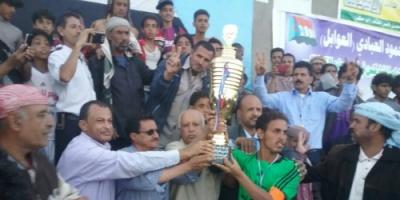 فريق مدرسة القزعة بطلا و عبادي وصيفا  في دوري  شهداء الشعيب للمدارس الأساسية