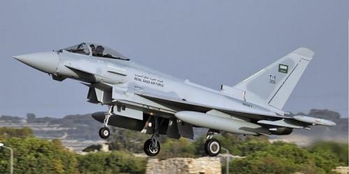 صنعاء : 12 غارة تستهدف قاعدة الديلمي وانفجارات عنيفة