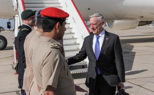 ماتيس يجتمع مع السلطان قابوس لبحث اليمن والأزمة الخليجية