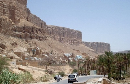 مقتل مواطن وإصابة آخر برصاص جنود نقطة عسكرية عند مدخل مدينة القطن بوادي حضرموت