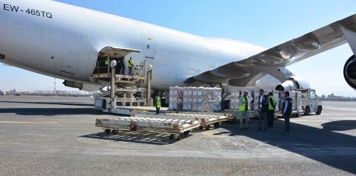 الصحة العالمية توصل 55 طنًا من المواد الطبية إلى مطار صنعاء