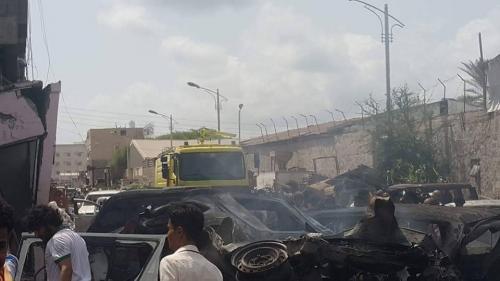 """اضرار جسيمة ألحقها انفجار الدرين بالسيارات والمساكن القريبة """" صور """""""
