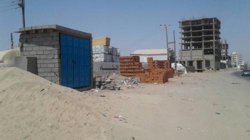 إنشاء محطة غاز بطريقة عشوائية بخط التسعين بمنصورة عدن والمواطنون يستغيثون