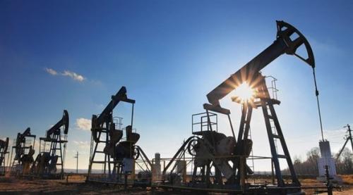 أسعار النفط تقفز وبرنت يسجل أعلى مستوى في أكثر من أسبوعين