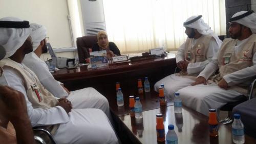 الوفد الإعلامي الإماراتي يزور إذاعة المكلا ويلتقي العاملين فيها