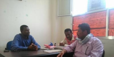 مدير الكوخ الثقافي يلتقي بمدير مكتب الثقافة في أبين