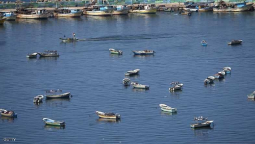 زوارق إسرائيلية تستهدف صيادين فلسطينيين شمالي غزة