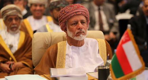 وزير خارجية عمان من طهران: ما يحدث في اليمن نتيجة غياب التفاهم