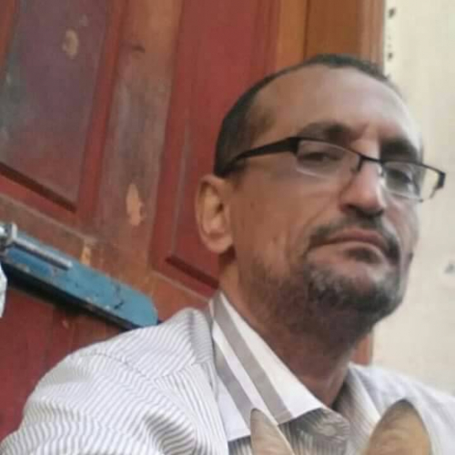 مدير مكتب وزير العدل يصفع موظف طالب براتبه