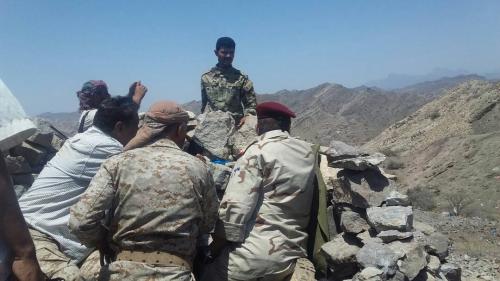 قائد المنطقة الرابعة ورئيس العمليات الحربية العليا يتفقدان الخطوط الامامية لجبهة كرش