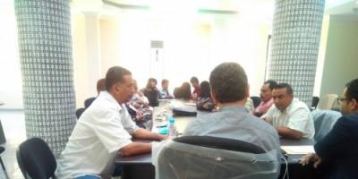 الأمين العام للمجلس الانتقالي يلتقي قيادات النقابات الجنوبية والتشكيلية بعدن