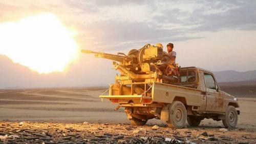 الجيش الوطني يسيطر ناريا على معسكر استراتيجي للحوثيين في الجوف