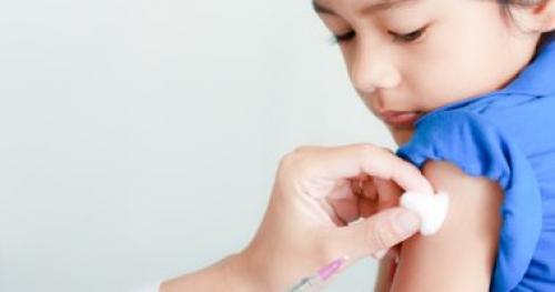 نصائح للوقاية من الحمى الشوكية منها تطعيم المكورات الرئوية