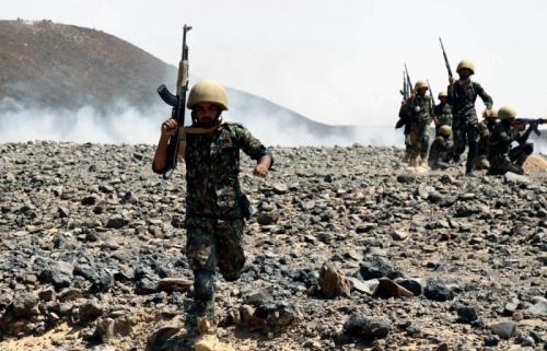 الجيش الوطني يحاصر معسكر طيبة الاسم في الجوف