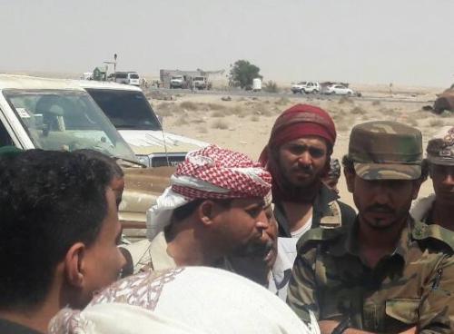 قوات الحزام الأمني بلحج تكرم عدداً من أفراد النقاط الأمنية بالمحافظة