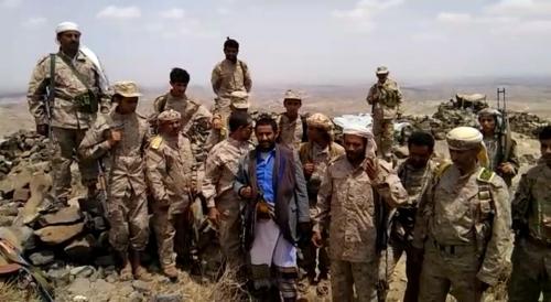 القائد الحميقاني يتفقد مواقع الجيش والمقاومة في البيضاء