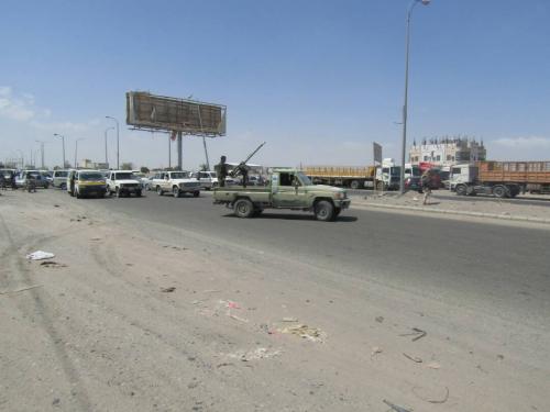 """الحزام الأمني بلحج يحبط عملية تفجير نقطة أمنية """"صور"""""""