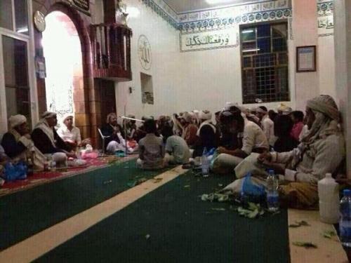 ميليشيات الحوثي تحول المساجد ودور تحفيظ القرآن إلى مقرات لاجتماعات سرية لقياداتها