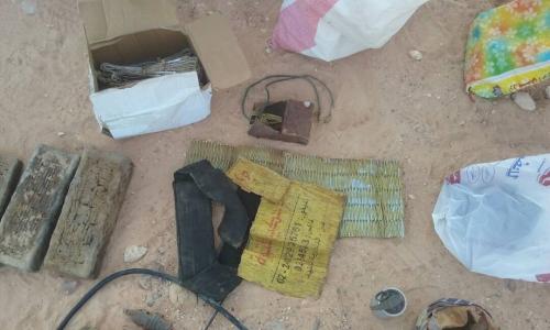 التدخل السريع بالحزام الأمني تعثر على متفجرات في أحد المنازل المهجورة بالمحفد