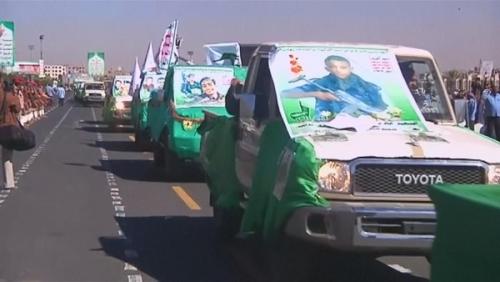 أم يمنية فقدت طفلين خطفهم الحوثي من دار الايتام للقتال