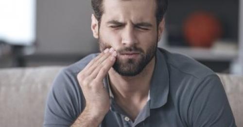 علاج ألم الأسنان منه الجراحة والمضادات الحيوية