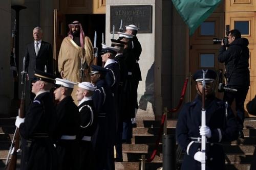 """(ولي العهد السعودي): نسعى لإنهاء حرب اليمن عبر """"عملية سياسية"""""""