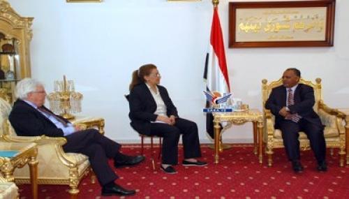 صحيفة: لا بوادر إيجابية لدى المبعوث الأممي لإنهاء الانقلاب الحوثي أو إيقاف التصعيد الصاروخي