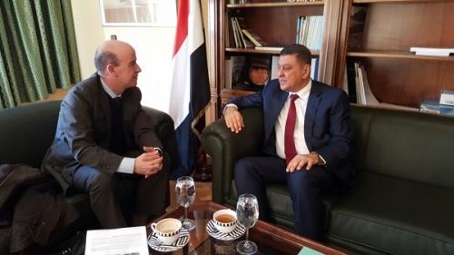 السفير  ميسري  يبحث تعزيز التعاون المشترك بين وكالتي الأنباء الرسميتين لليمن وإسبانيا