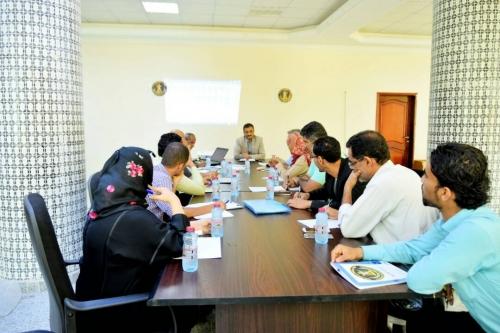 أمانة المجلس الانتقالي تناقش مستوى الإنجاز في دوائرها