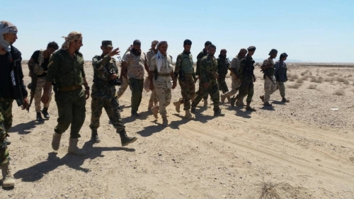قائد الحزام الأمني بلحج يزور نقطة مفرق الوهط ويشيد بيقظتها الأمنية