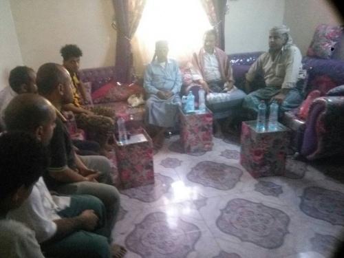 الأمين العام للمجلس الانتقالي الجنوبي يزور منزل الشهيد شائع الحريري ويؤدي واجب العزاء