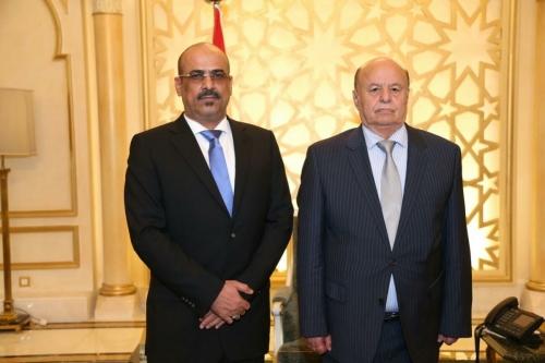 الميسري يتحدى توجيهات هادي وبن دغر ويصدر قرارات تعيين رغم التوجيه بوقفها