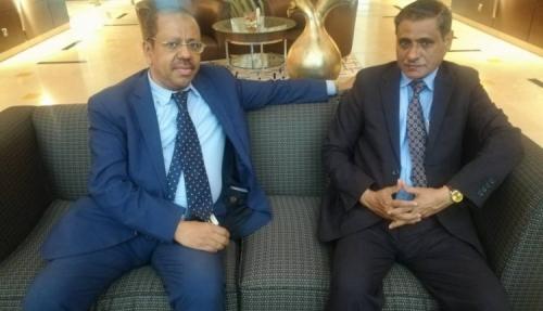 محافظ حضرموت يناقش مع وزير المغتربين دعم وتفعيل انشطة مكتبي المحافظة