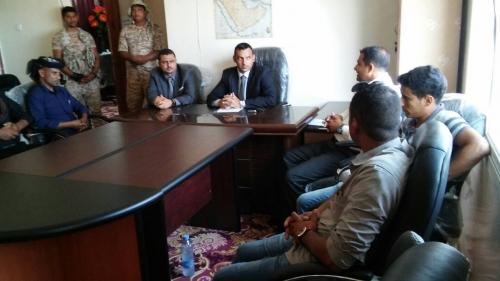القائم بأعمال محافظ سقطرى يتفقد سير العمل بمكتب التربية والتعليم
