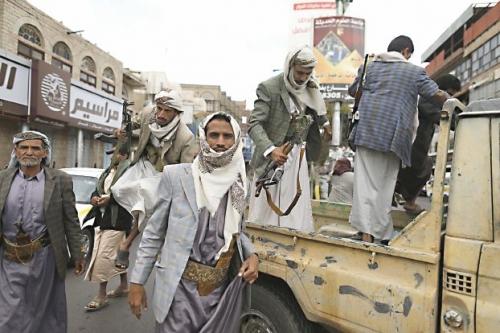 مواجهات مسلحة بين قيادات حوثية في إب تخلف قتلى وجرحى