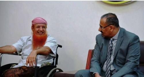 الزُبيدي وبن بريك يستقبلان الجريح البطل عبدالله السليماني