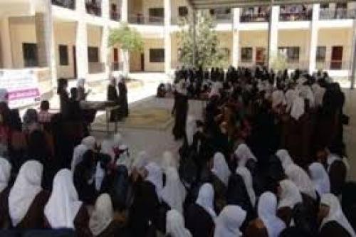استهداف حرم مدرسة للبنات بدار سعد بعدن بقنبلة يدوية