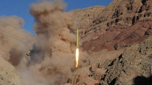 الحوثيون يفشلون في إطلاق باليستي على مأرب