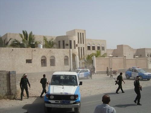 أنباء عن فرار عدد من السجناء من سجن إدارة أمن الشحر بساحل حضرموت