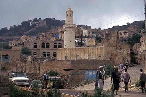 تزايد القتلى المغرر بهم من ميليشيا الحوثي يحوّل المحويت إلى صالة كبيرة للعزاء (تقرير)