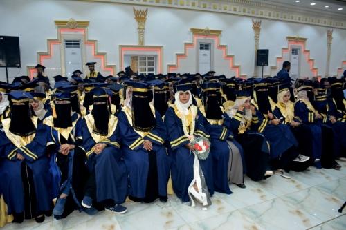 تغطية مصورة.. حضرموت تحتفل بتخرج (270) طالباً وطالبة من مختلف الجامعات والمعاهد العلمية بعدن