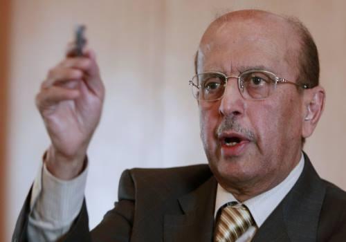 """وزير الخارجية اليمني الأسبق يلتقي """"غريفتث"""" في مسقط ويؤكد أنه مزود بقوة دولية ويعرف المعرقل للحل"""