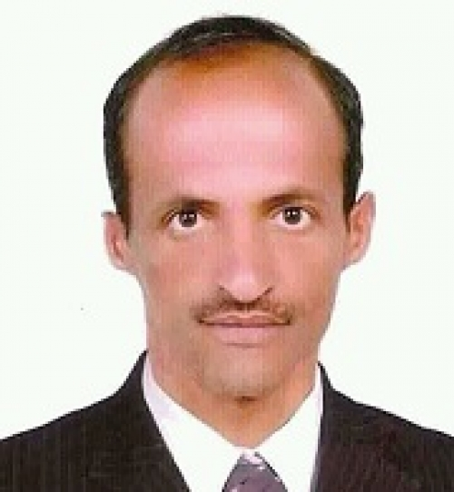 قوات اللواء 30 مدرع بقعطبة تعتقل الصحفي صالح المنصوب