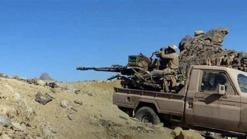 قوات الجيش تقصف بالمدفعية مواقع الميليشيا في صرواح بمأرب