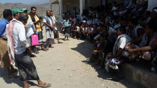 مدير عام المسيمير  والمؤسسة الطبية الميدانية  يدشنان المسوح الإغاثية في عدة مناطق بالمديرية